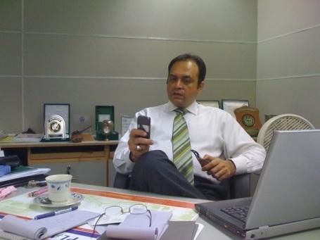 mujeeb-khan