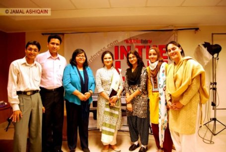 Sania Saeed and the bloggers